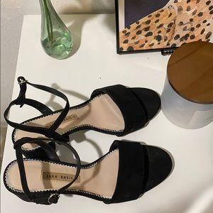 Zara heels 🖤